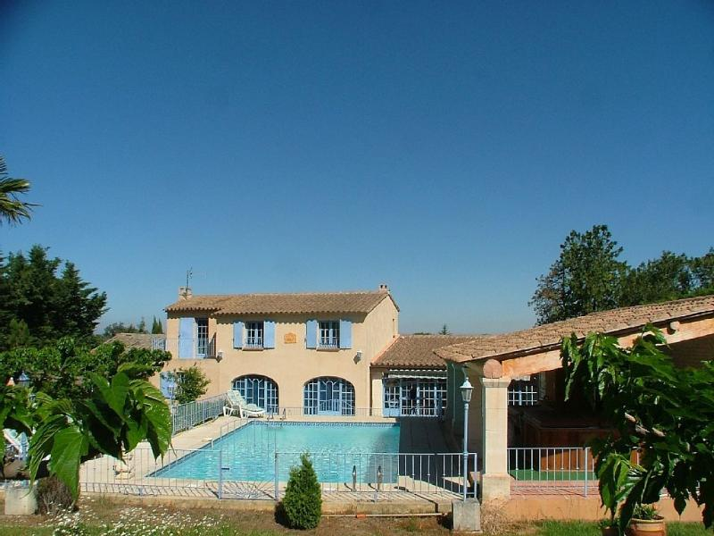 Villa Luberon House Rental with a Hot Tub and Fireplace, in Robion - Image 1 - Robion - rentals