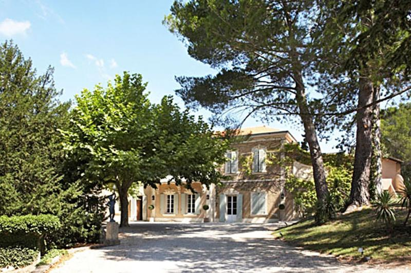 Lambesc Manor Villa in Provence for holiday rentals, holiday villa to let in - Image 1 - Lambesc - rentals