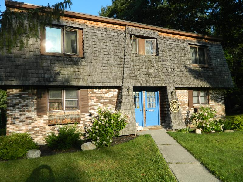 Rose's Cozy Mountainview duplex-A-B-& Homeshare. - ROSE'S  COZY  MOUNTAINVIEW  DUPLEX - Rutland - rentals