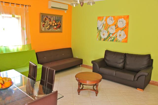Green Mambo Apartment, Albufeira, Algarve - Image 1 - Olhos de Agua - rentals