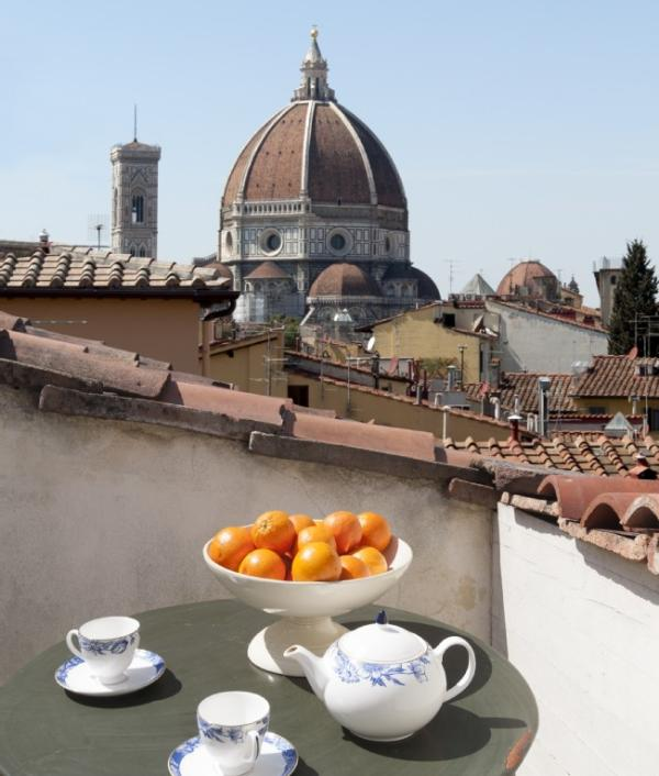 Florence Penthouse Apartment 4 bedroom Florence flat to rent, self catered - Image 1 - Florence - rentals