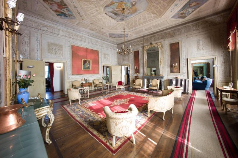 Palazzo Sordello  vacation holiday large villa palace rental italy, northern italy, lake district, wedding, vacation holiday large villa p - Image 1 - Mantova - rentals