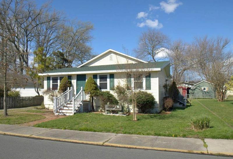 Agape House - Image 1 - Chincoteague Island - rentals