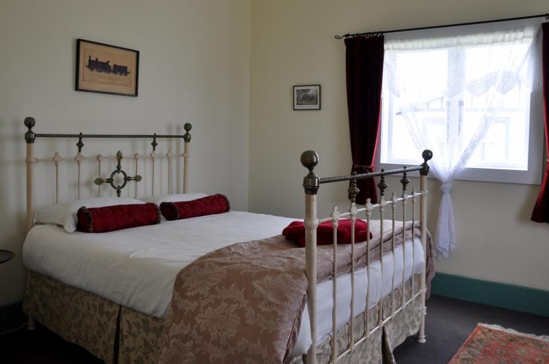 Traxx Cottage - Image 1 - Waihi - rentals