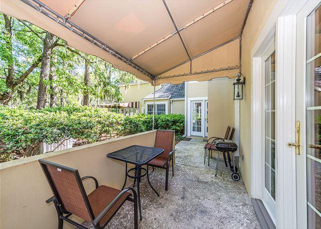 Patio - Evian 284, 2 Bedrooms, Wonderful Views, Large Pool, Sleeps 5 - Hilton Head - rentals