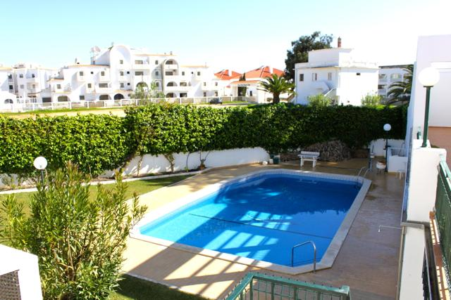 Cisco Brown Apartment, Oura, Albufeira - Image 1 - Albufeira - rentals
