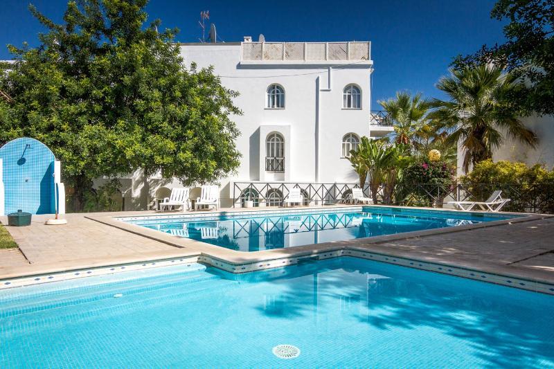 Tavira Algarve 2-bed 2-bath A-C pools tennis WiFi - Image 1 - Tavira - rentals