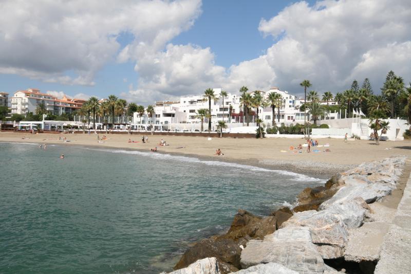 Playas del Duque, Banus 806 - Image 1 - Puerto José Banús - rentals