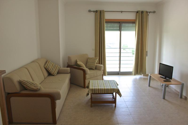 Kele White Apartment, Albufeira, Algarve - Image 1 - Albufeira - rentals