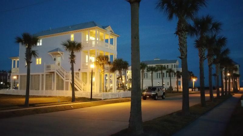 Stunning New Home In Beachtown!Beach steps away - Image 1 - Galveston Island - rentals