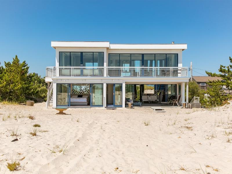 Breathtaking 2 Bedroom Westhampton Beach House - Image 1 - Westhampton Beach - rentals