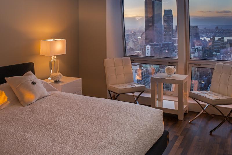 Mesmerizing 4 Bedroom 5 Bathroom on 5th Avenue!! - Image 1 - Manhattan - rentals