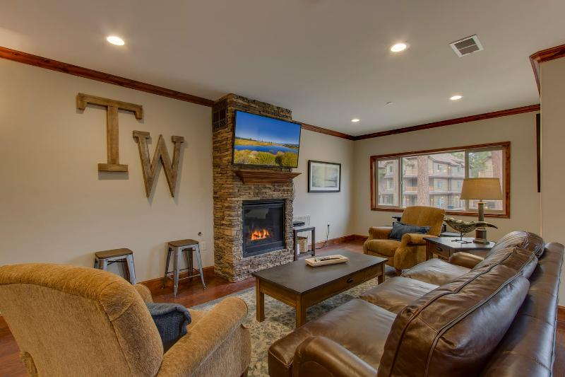 Tahoe Woods Vista – Walk to Lake & Heavenly, Chefs Kitchen, Arcade, Wifi, AC - Image 1 - South Lake Tahoe - rentals