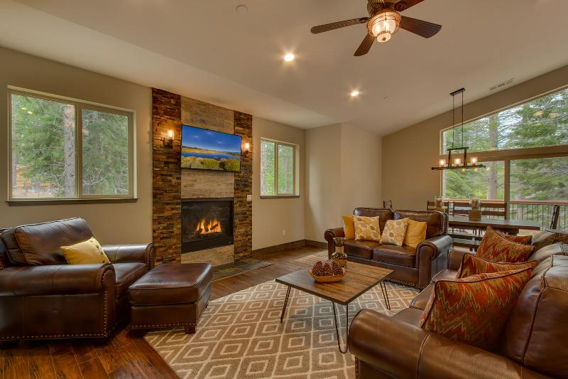 Whispering Pines - Built in 2016, HDTVs, Two Fireplaces, BBQ, Bocce, Spa - Image 1 - South Lake Tahoe - rentals
