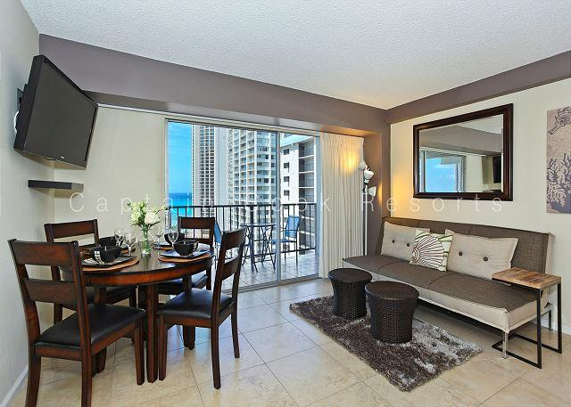 Ocean View Lanai and a Easy 5 min. walk to beach!  Sleeps 4. - Image 1 - Waikiki - rentals