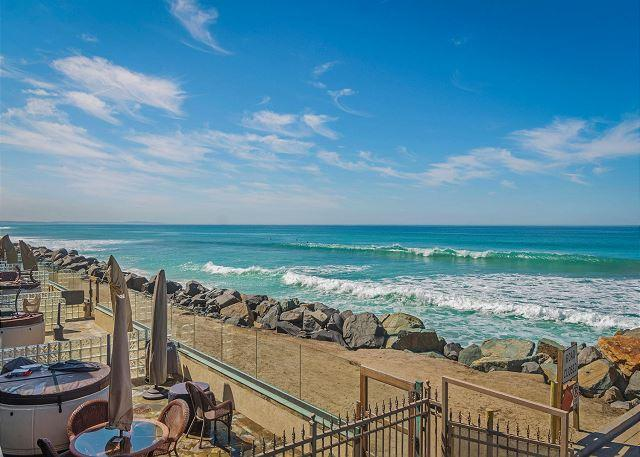 Luxury rental, 5br/4ba, Spa, Large Kitchen Designer Decorated & A/C - Image 1 - Oceanside - rentals