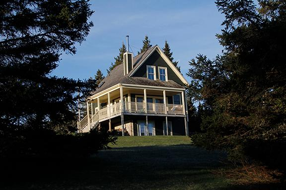 #2 Bay Watch Cottage, Lunenburg  NS - Image 1 - Lunenburg - rentals
