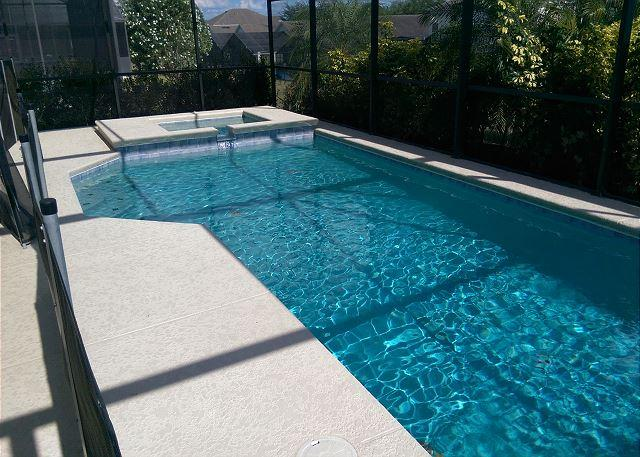 ROSES: 4 Bedroom Home with South Facing Pool and Game Room - Image 1 - Davenport - rentals