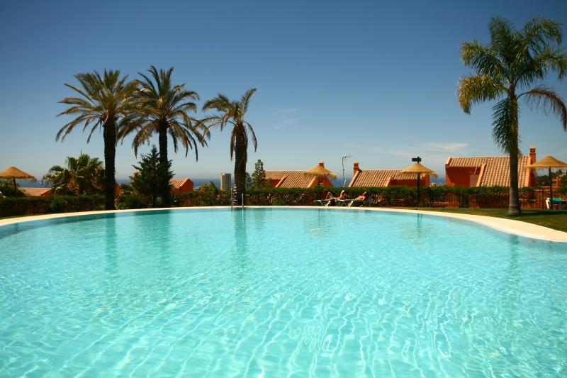 1858 - one bed apartment, Los Lagos de Santa Maria - Image 1 - Elviria - rentals