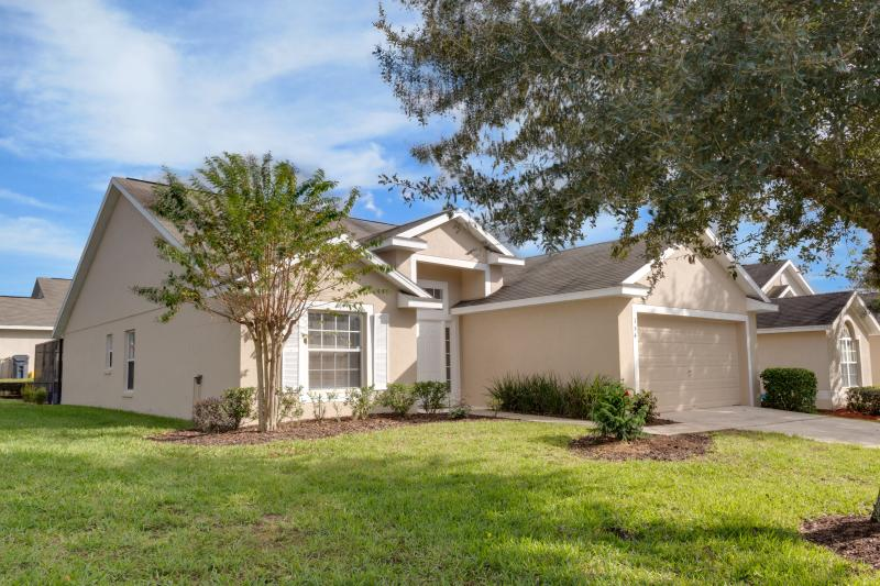 Ideal Family Vacation Home - WiFi / Games Room - Image 1 - Davenport - rentals