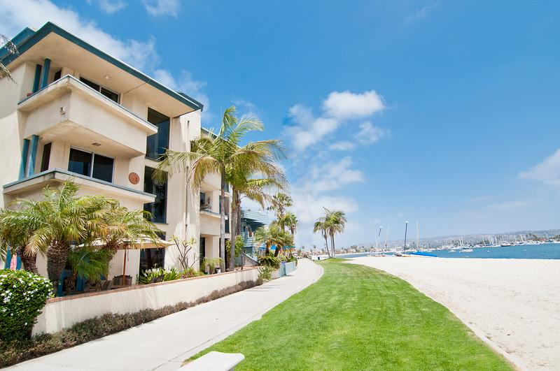 Bayfront Condos - Directly on Sail Bay! - Bayfront Deals! February Only  240/nt! Views! - Mission Beach - rentals