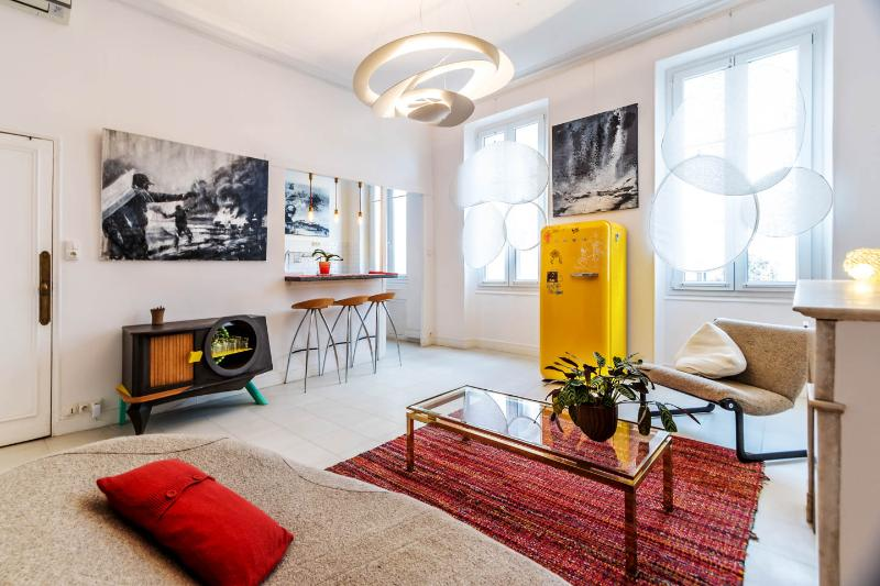 Gorgeous Apartment in Marseille near Old Port - Image 1 - Marseille - rentals