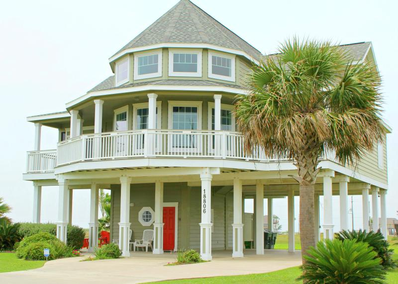 Front of house - Gorgeous House with Two Living Rooms! - Galveston - rentals