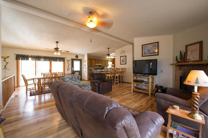 Lake and Mountain views, Convenient location - Image 1 - Estes Park - rentals