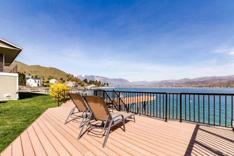 Newly remodeled lakefront home w/ incredible views, dock, sundeck! - Image 1 - Chelan - rentals