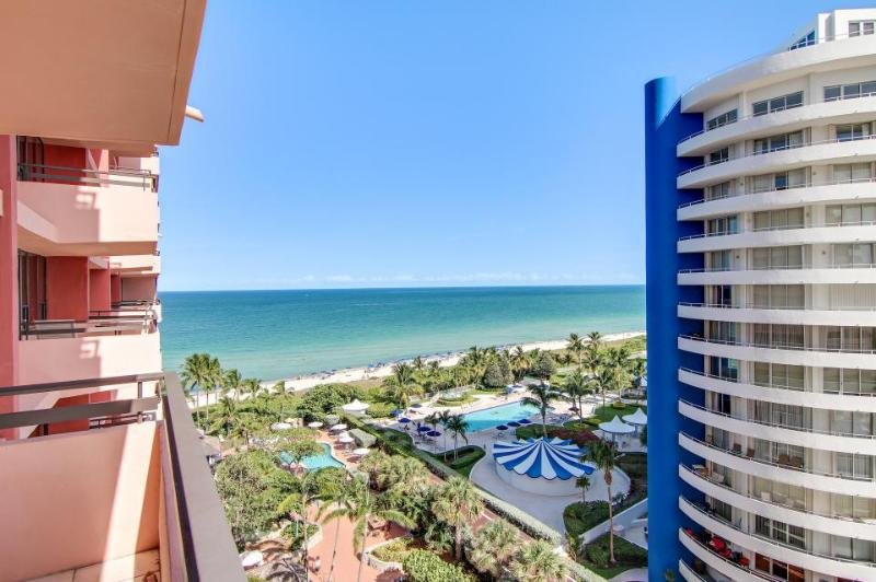 Oceanfront loft-style condo w/direct beach access, 2 pools! - Image 1 - Miami Beach - rentals