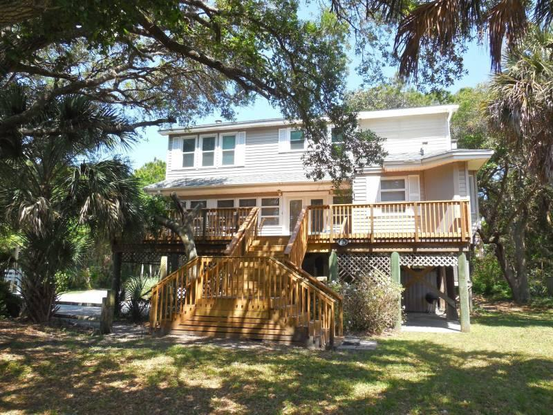 Exterior - Tree House - Folly Beach, SC - 3 Beds BATHS: 3 Full - Folly Beach - rentals