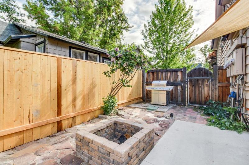 Upstairs loft near Hyde Park & Camel's Back Park!  Now w/ 4 shared bikes! - Image 1 - Boise - rentals