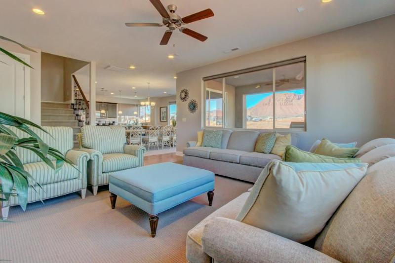 Stunning, modern new home w/ shared pools and private hot tub! - Image 1 - Santa Clara - rentals