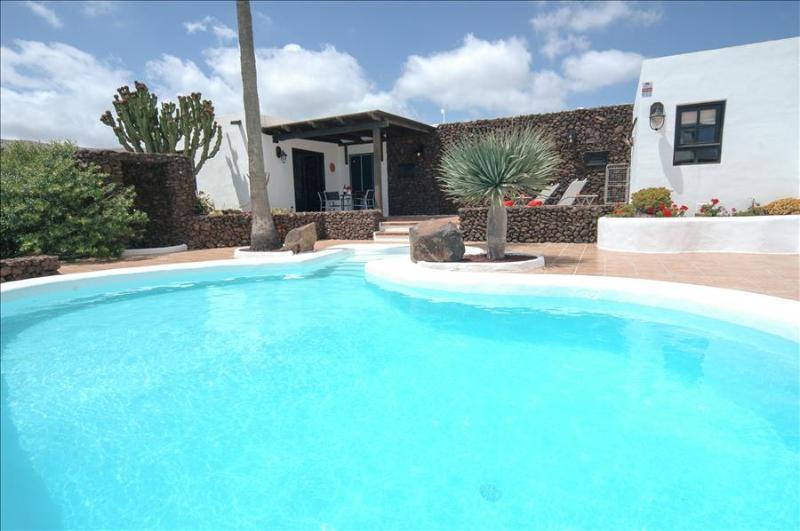 Villa LVC198594 - Image 1 - Macher - rentals