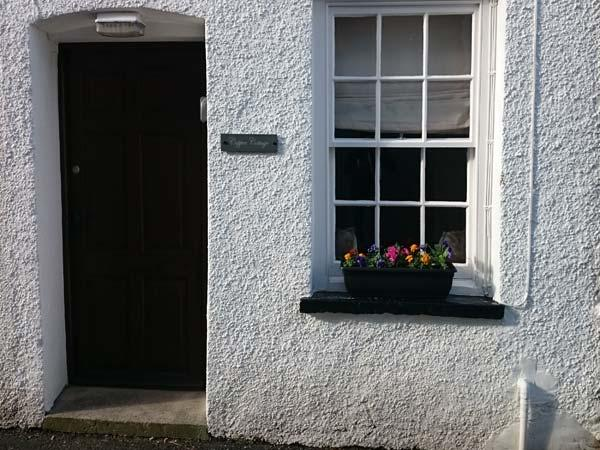 COPPER COTTAGE, mid-terrace, Grade II, close to amenities, in Ulverston, Ref 933531 - Image 1 - Ulverston - rentals