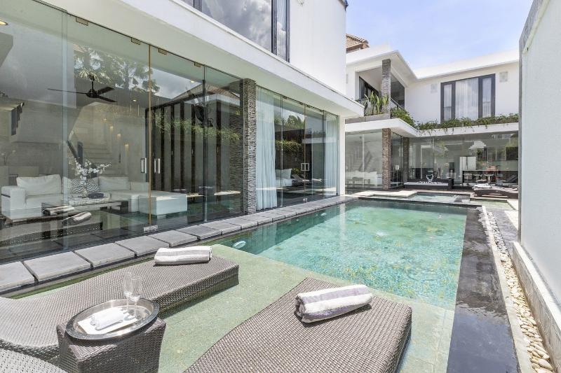 The Pool - Free Rooms! 8BRs  6, 5,4,6-3BR 2BR Villa 1/2Off 2Pools UltraModern - Seminyak - rentals