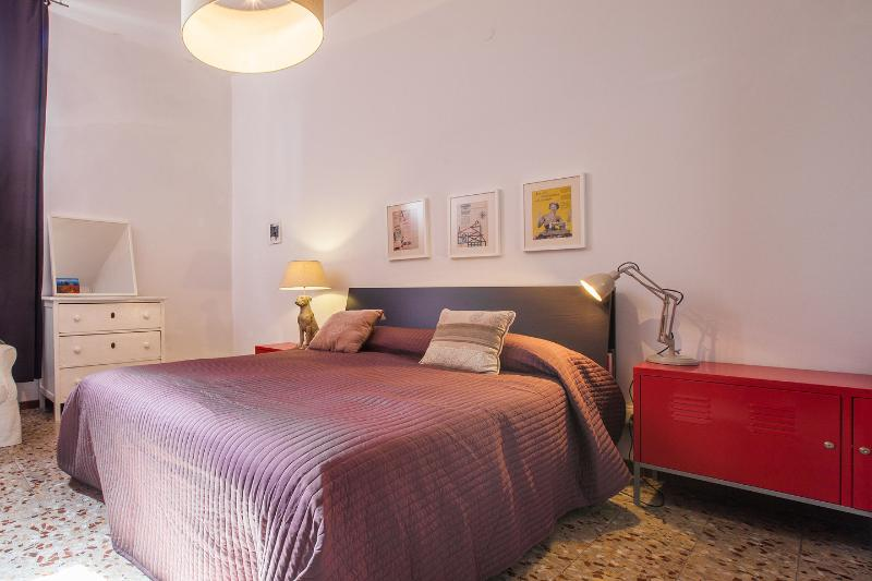 The Master Bedroom - Civico 18 Quiet Central 3 Bedrooms Florence - Florence - rentals