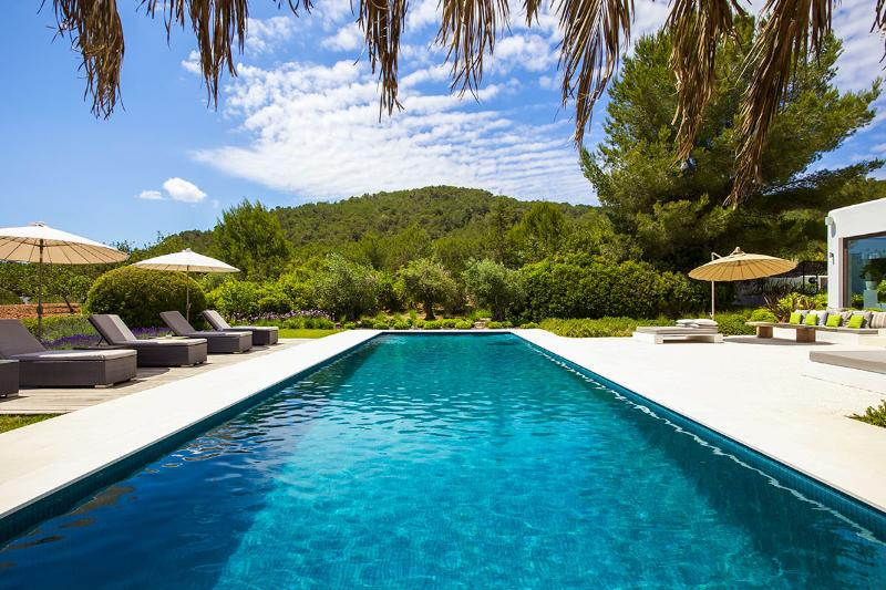 Villa Lorenzo, Sleeps 12 - Image 1 - San Lorenzo - rentals
