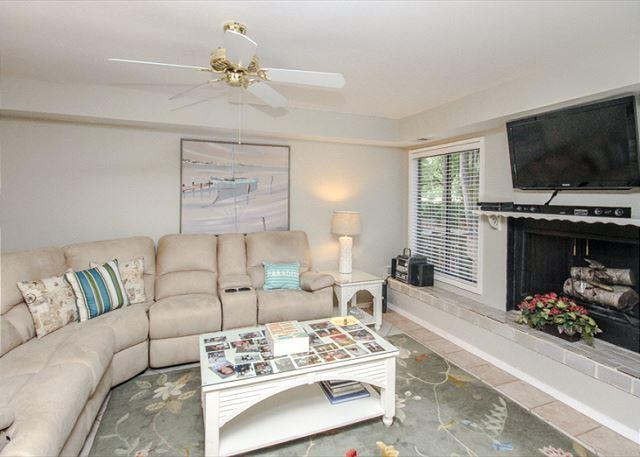 Fazio 19, 3 Bedrooms, Beautiful Pool View, Palmetto Dunes, Sleeps 8 - Image 1 - Hilton Head - rentals