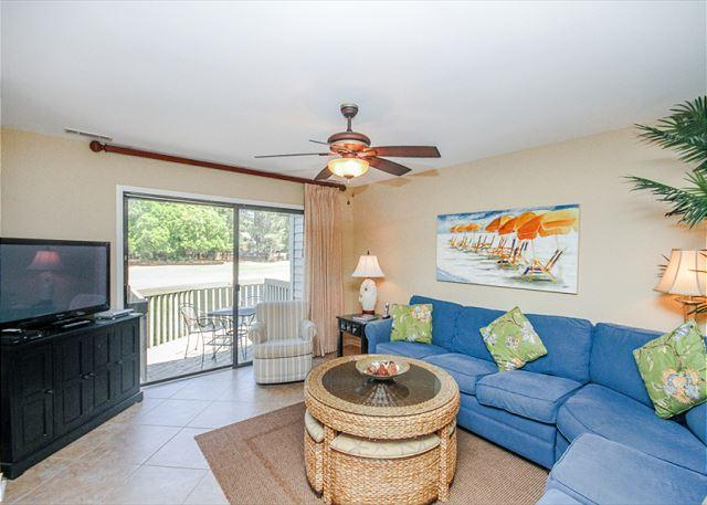 Make Inland Harbour 2429 your vacation destination! - Inland Harbour 2429, 2 Bedrooms, Lagoon & Golf View, Pool, Sleeps 8 - Hilton Head - rentals