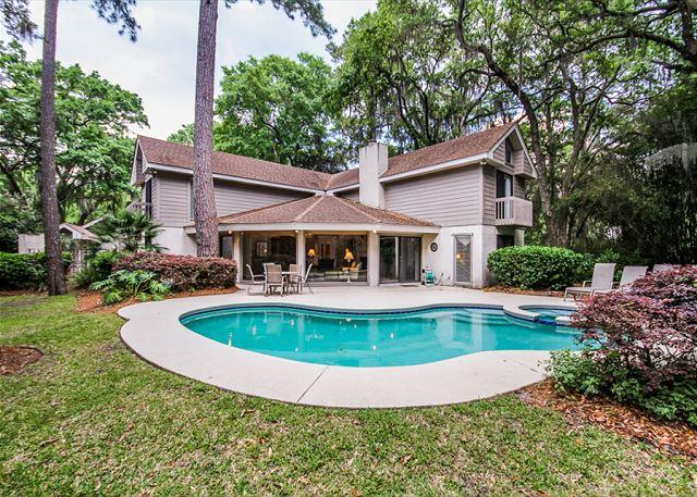 A Spectacular Retreat - Turnberry Lane 30, 4 Bedrooms, Private Pool, Spa, Golf Views, Sleeps 12 - Hilton Head - rentals