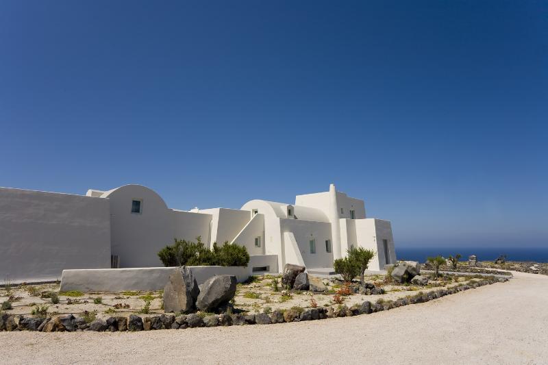 Santorini  Gv - The Black Rock VIlla - a stunning new luxury villa with amazing views - Image 1 - Santorini - rentals