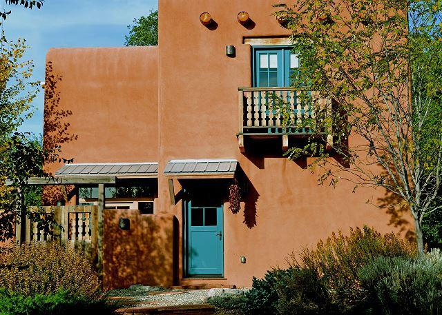 Large Enclosed Yard Walk to Plaza Private Hot Tub -Sleek European Flair - Image 1 - Taos - rentals