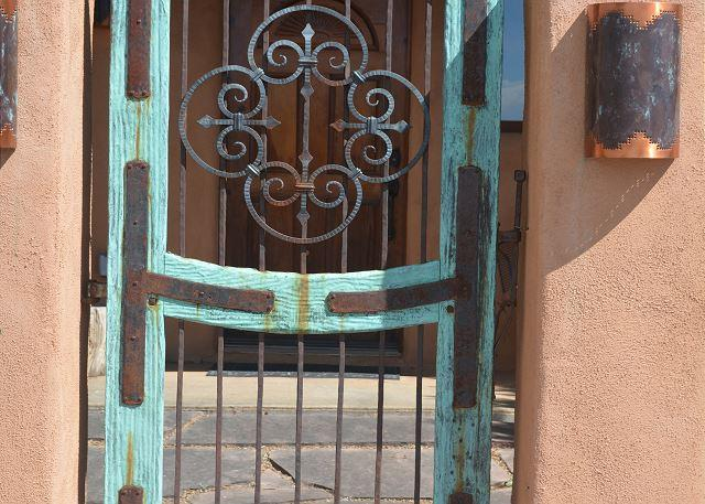 House of the Turquoise Gate 360 Degree Views with Enclosed Yard - Image 1 - El Prado - rentals