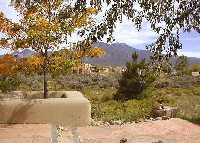 Alta Vista - Taos vacation rentals Enclosed yard Hot tub Mountain views gourmet kitchen - Taos Area - rentals