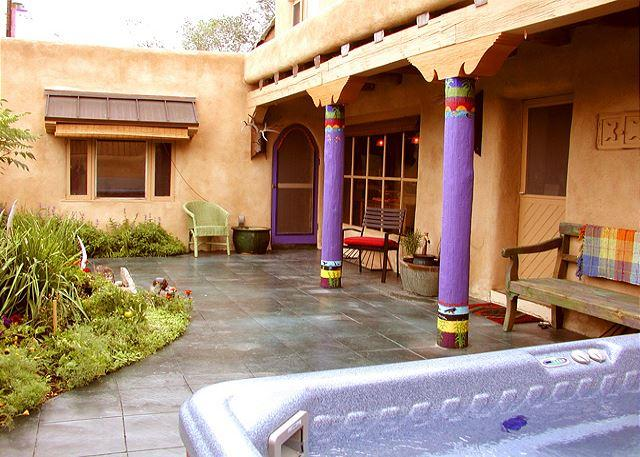 BLUE ELK CASA - Blue Elk Casa enclosed Patio with Hot Tub Air Conditioned Walk to Plaza - Taos - rentals