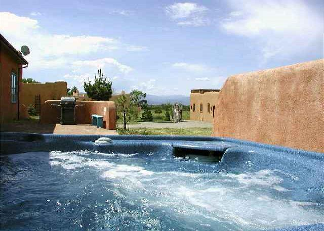 Taos rental mountain view fireplace hot tub high wi-fi passive solar secluded - Image 1 - Arroyo Seco - rentals