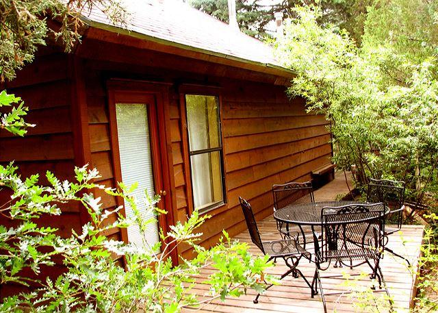 Nature's heaven  - El Salto Guest Cabin private secluded wi-fi dsl hot tub deck loft - Arroyo Seco - rentals