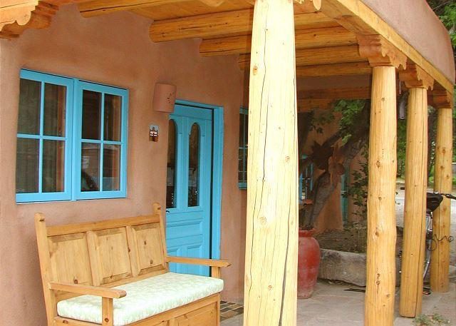 CASA ENCANTADA 1 - Casa Encantada 1  Enclosed Yard Hot Tub Walk to Plaza Kiva Fireplace - Taos - rentals
