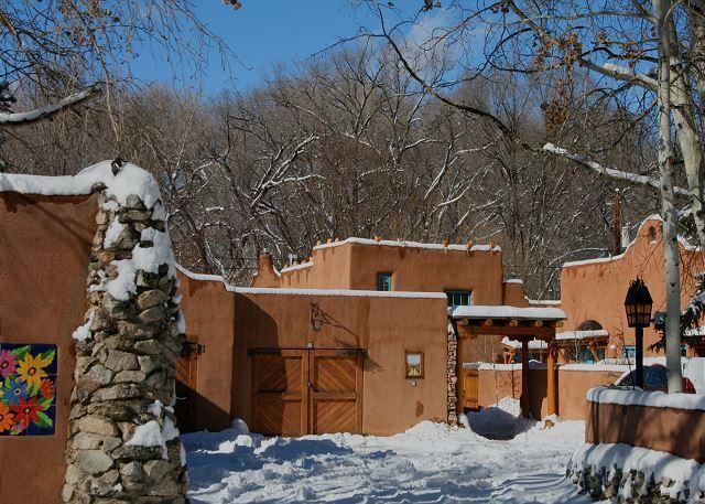 Casa Encantada 3 - Casa Encantada 3 -Walk to town Hot Tub Private Fenced Patio - Taos - rentals